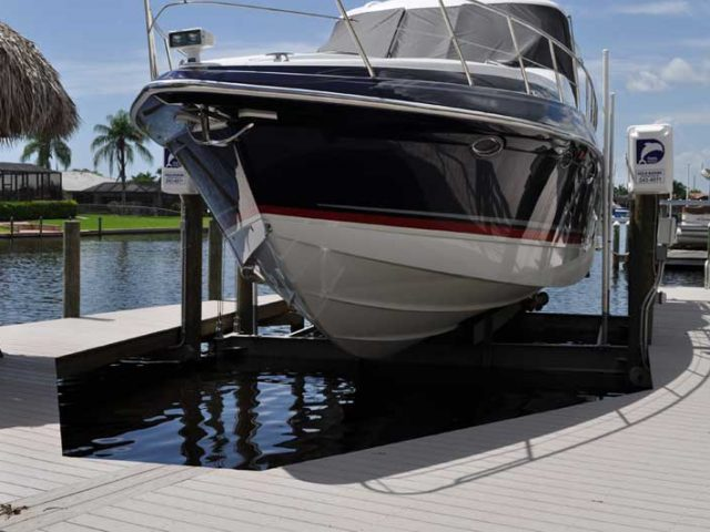 Cape Coral Boat lifts